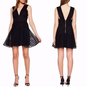 BARDOT Black PLUNGE NECK LACE Party DRESS US XS/4